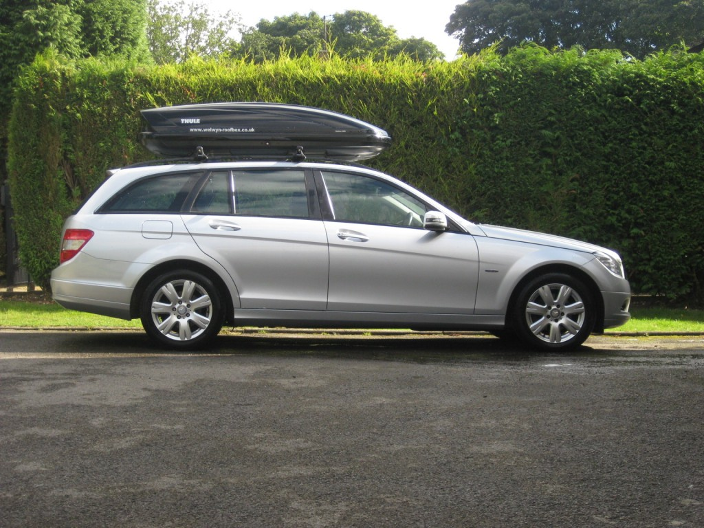 thule motion 800 welwyn roofbox hire. Black Bedroom Furniture Sets. Home Design Ideas